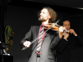 Stephan Steiner: 5-saitige Violine, Albin Paulus: Maultrommel, © K. Matzka